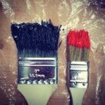 Pinceaux, couleurs, rouge et noir, amour de l'art, artistes, résilience, chroniques, mathilde Vermer, auteure
